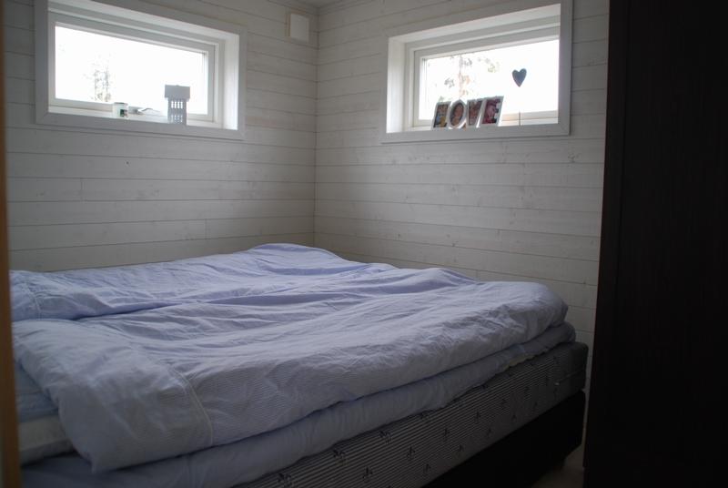 Creativstugan sovrum 1 med garderob
