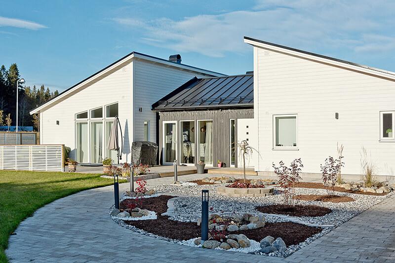 Nyproduktion villa Siriusgatan utemiljö - Creativ Bygg