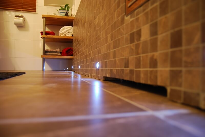 Badrum inbyggt badkar detalj - Creativ Bygg
