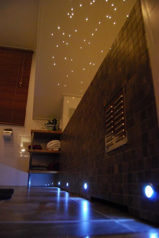 Badrum inbyggt badkar stjärnhimmel - Creativ Bygg