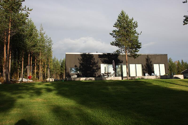 Nyproduktion svart villa - Creativ Bygg