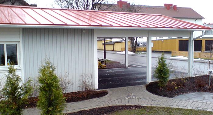Garage ljusgrått infart - Creativ Bygg